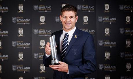 Джерард e футболист на годината в Англия