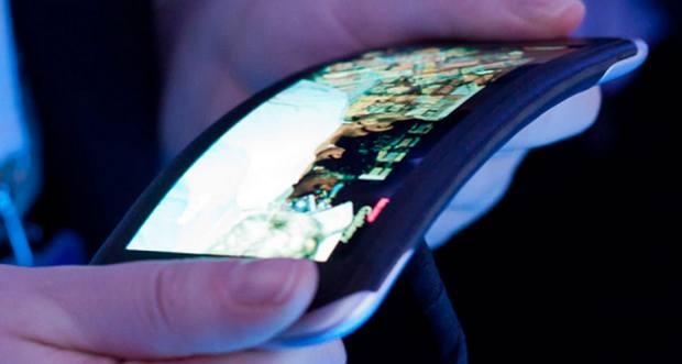 LG започват ерата на гъвкавите телефони