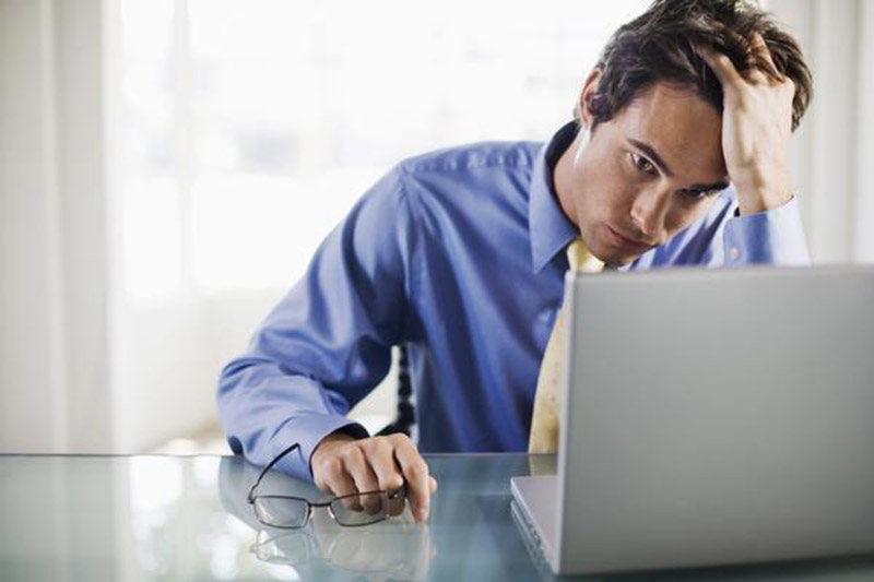 Три съвета как да разпознаете безполезен служител