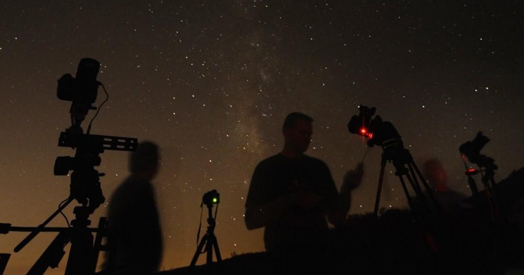 Хипнотизиращи снимки от метеоритния дъжд на 12.08