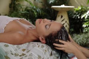 Есенна терапия за коса