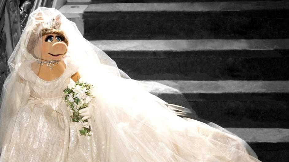 Прасе в рокля на Вивиан Уестууд