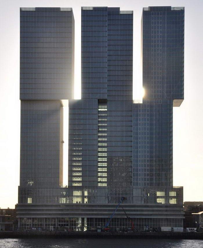 Екзотична сграда в Ротердам