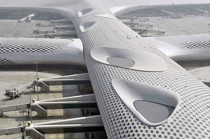 10-те най-бляскави сгради в света - Airport Terminal Shenzhen