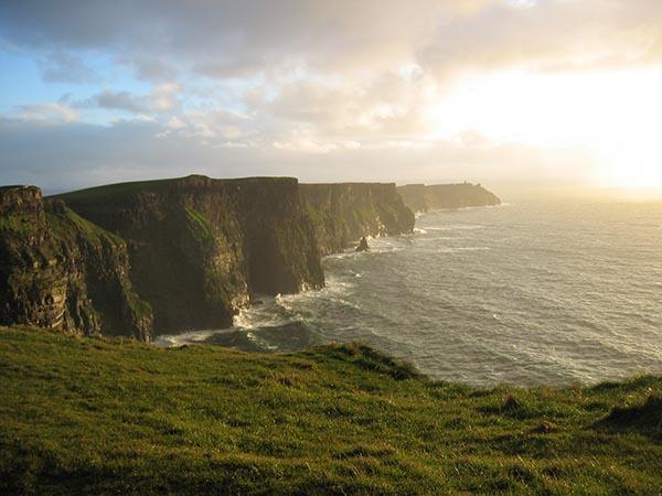 Cliffs of Moher - невероятно красива скална гледка