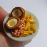 Бижута с формите на закуска с яйца