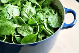 Тъмно зелени листни зеленчуци