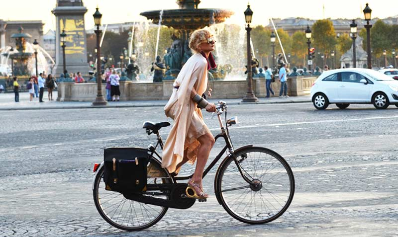 Сайклинг в романтичния Париж