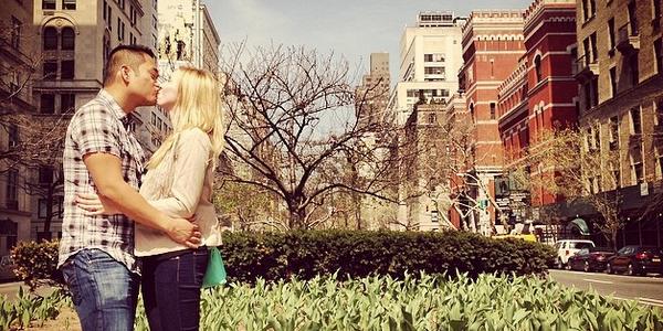 Първата двойка наела консултатнт по социални мрежи за сватбата си