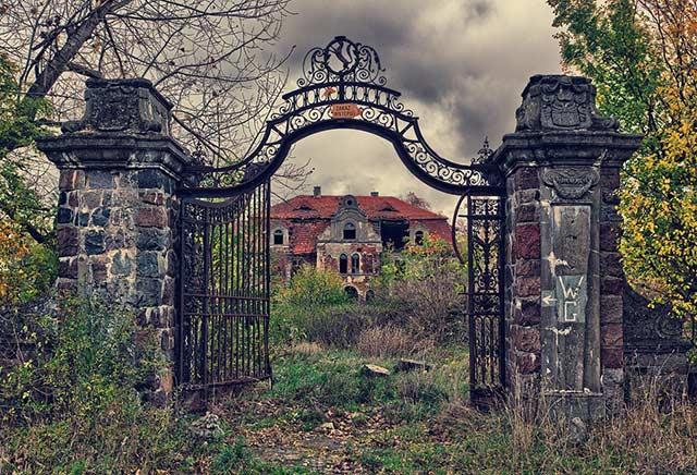 7 дяволско зловещи, но красиви изоставени места