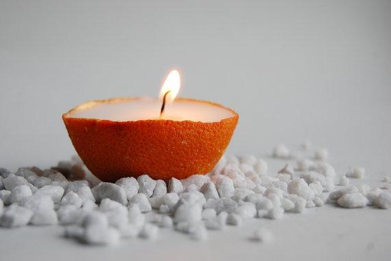 Свещник от портокалова кора