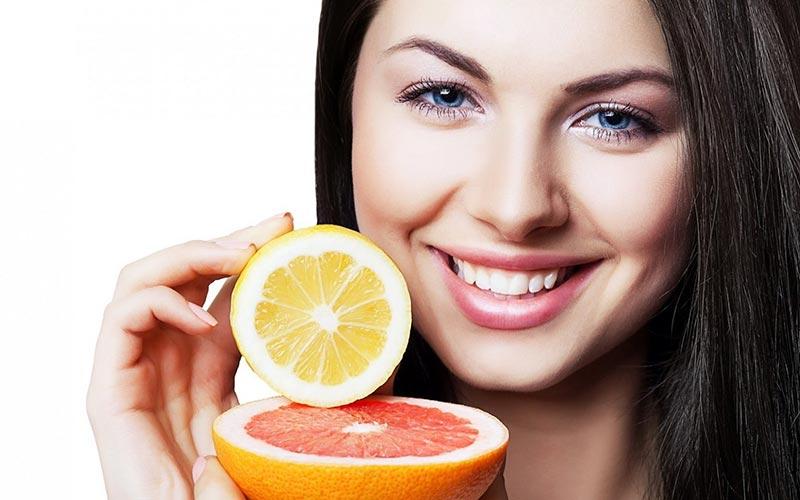 Домашни летни съвети за красива кожа с плодови сокове
