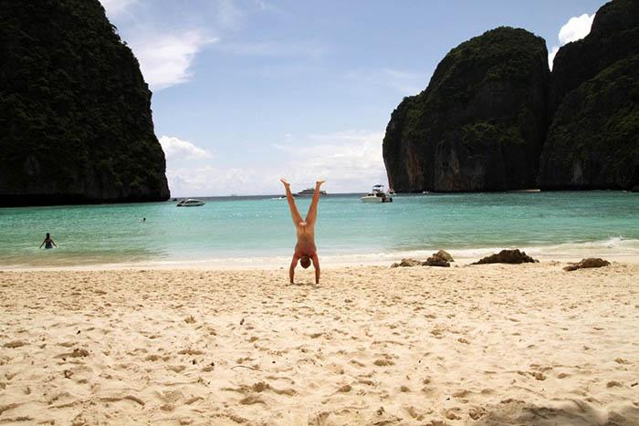 Голи стойки по целия свят  Тайланд