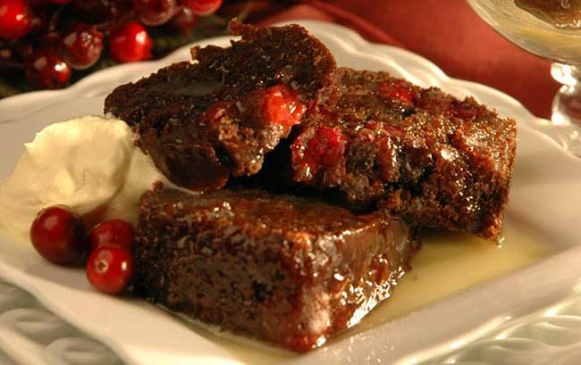 Интересни коледни ястия от цял свят - cranberry pudding