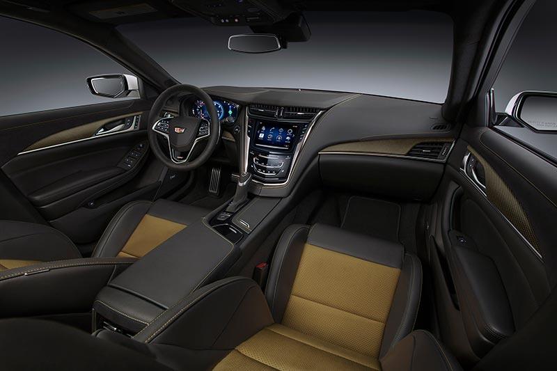 Интериорът на Cadillac CTS-V