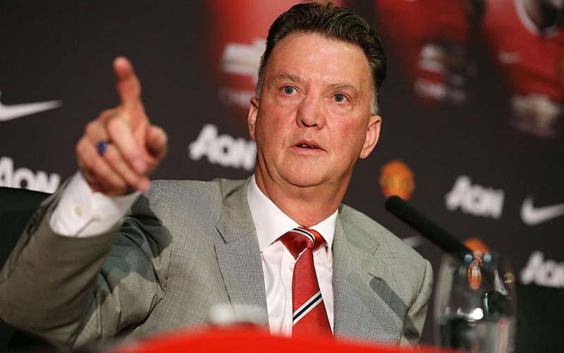 Ван Гаал разкри от какви футболисти има нужда