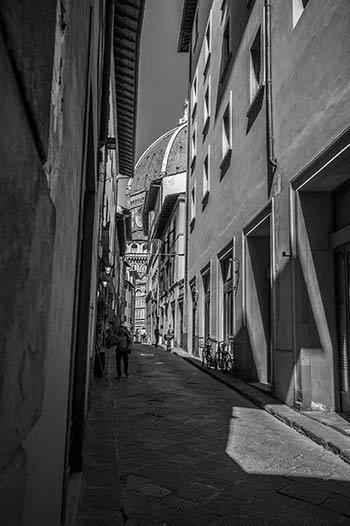 Загубете се из уличките във Флоренция