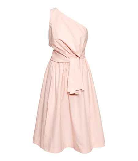Какво да облечем на лятна сватба