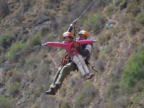 Въжне тролей над перуанските анди