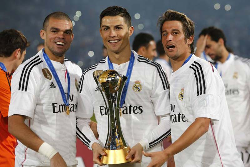 Роналдо, Меси и Суарес са финалистите за най-добър играч на Uefa