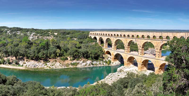 The Pont du Gard е един от най-красивите мостове в света