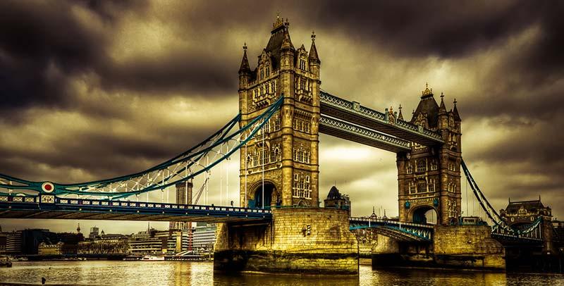 Лондон Бридж е топ дестинация в Англия