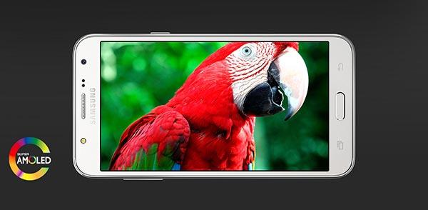 Galaxy J5 атакува средния клас при смартфоните