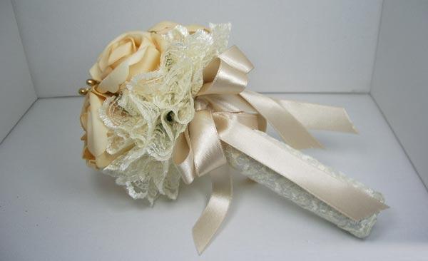 Подходящи сватбени букета