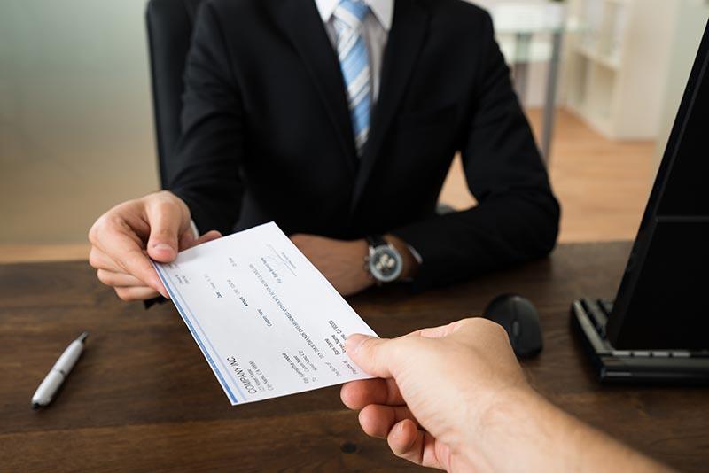 В търсене на по-висока заплата