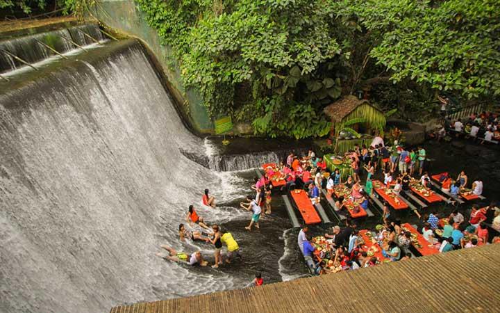 Ресторант-водопад