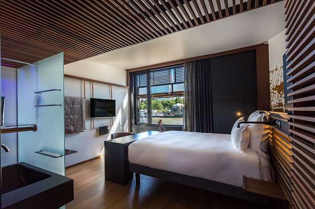 paris-floating-hotel-rooms