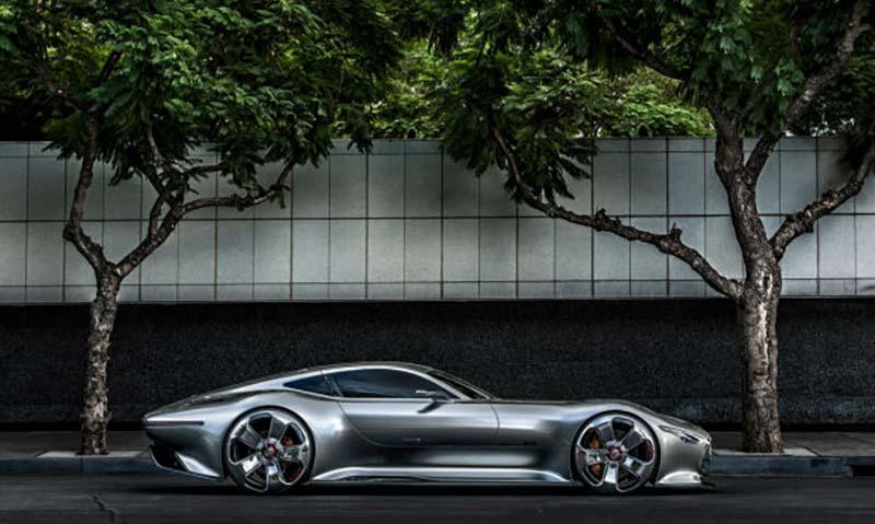 Mercedes с предстояща хиперкола