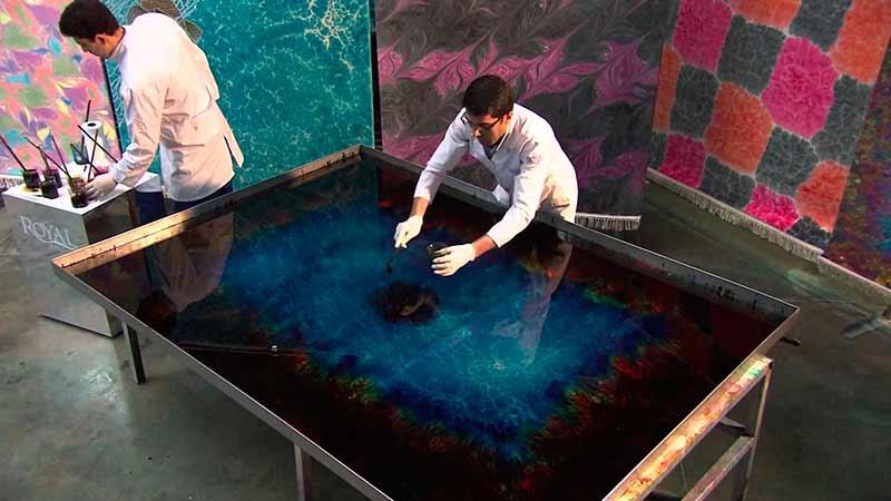 Ебру или как да рисуваш върху вода