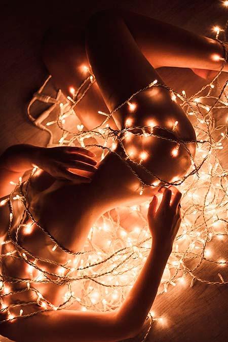 Секс под светлините на коледната елха