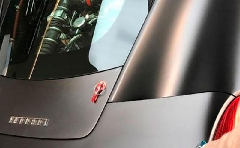 Ново Ferrari с централно разположен двигател