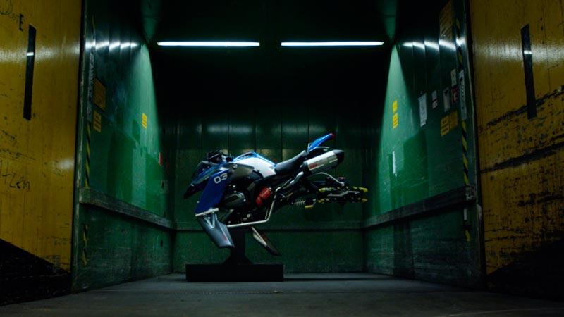 BMW и Lego създадоха летящ мотоциклет