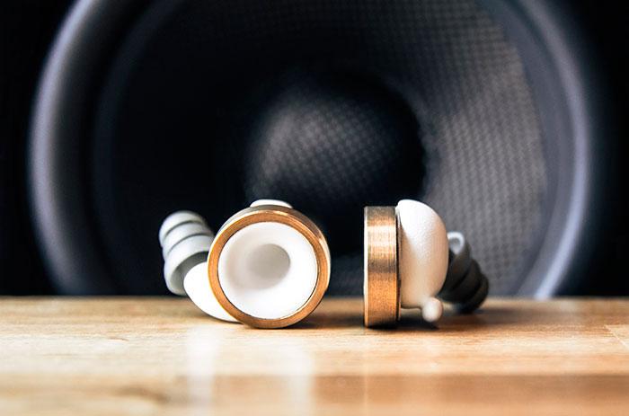 Тапи за уши, с които да изключите външния шум