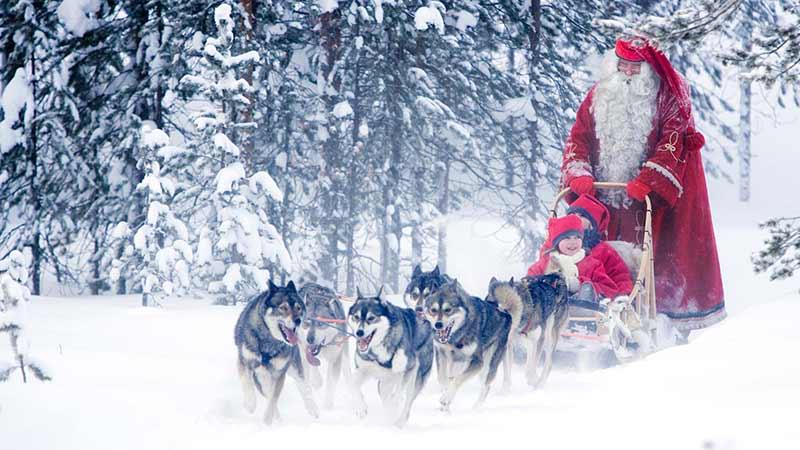 Как празнуват Коледа хората във Финландия