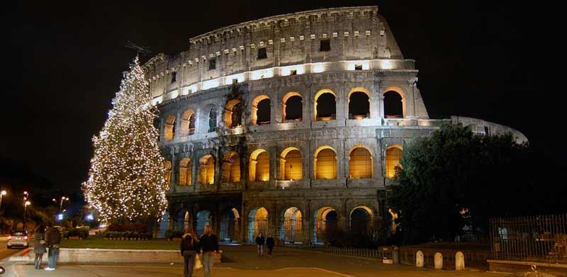 Как празнуват Коледа в Италия
