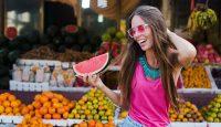 Слънчеви очила с розови стъкла